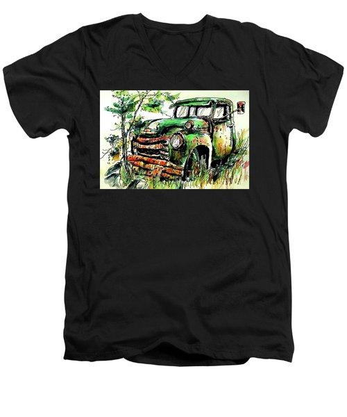 Country Antiques Men's V-Neck T-Shirt