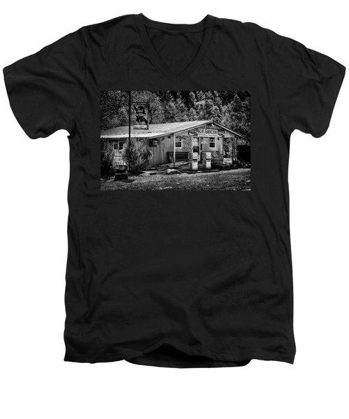 Country Store Men's V-Neck T-Shirt