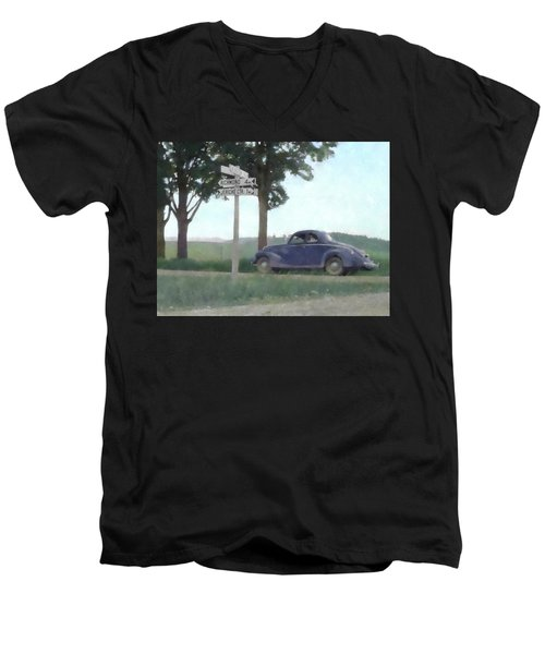 Coupe In The Countryside Men's V-Neck T-Shirt