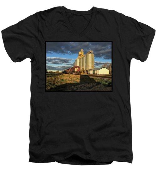 Cp Train Men's V-Neck T-Shirt