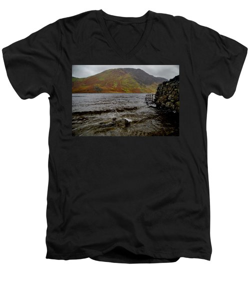 Crummock Splash Men's V-Neck T-Shirt