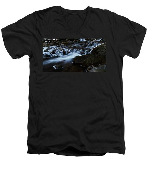 Crystal Flows In Hdr Men's V-Neck T-Shirt
