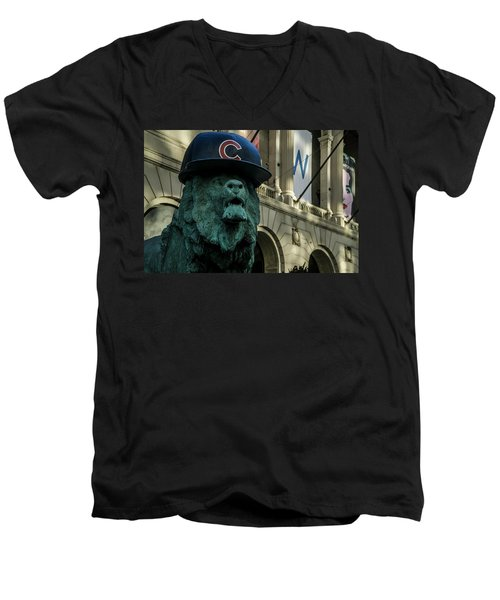 Cub Hat On Art Institute Lion Telephoto Men's V-Neck T-Shirt
