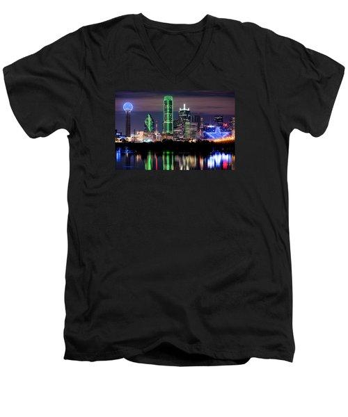 Dallas Cowboys Star Skyline Men's V-Neck T-Shirt