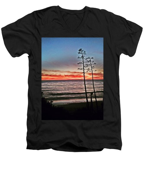 Dana Point Sunset Men's V-Neck T-Shirt