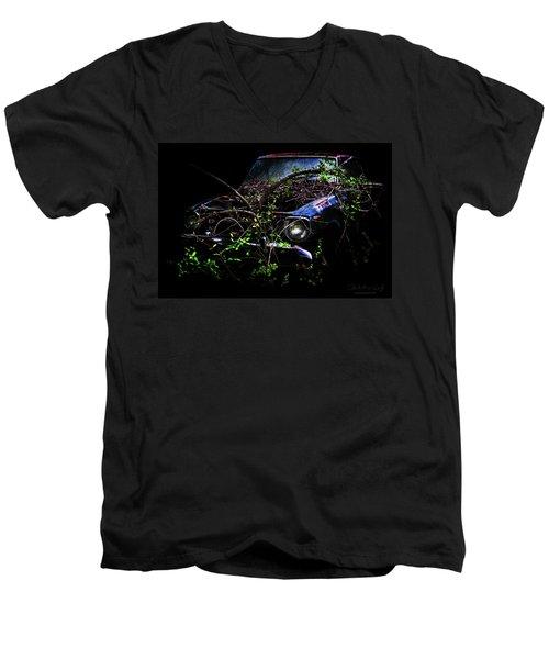 Datsun Treehouse Men's V-Neck T-Shirt