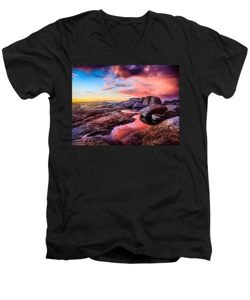Dawn Colours Men's V-Neck T-Shirt