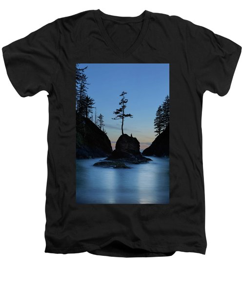 Deadman's Cove At Cape Disappointment At Twilight Men's V-Neck T-Shirt