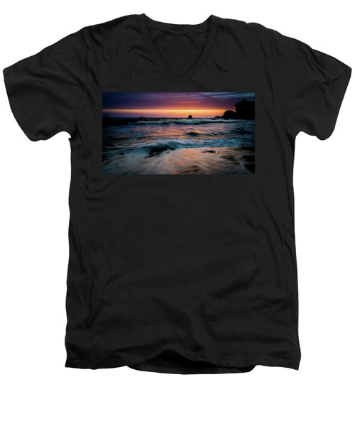 Demartin Beach Sunset Men's V-Neck T-Shirt