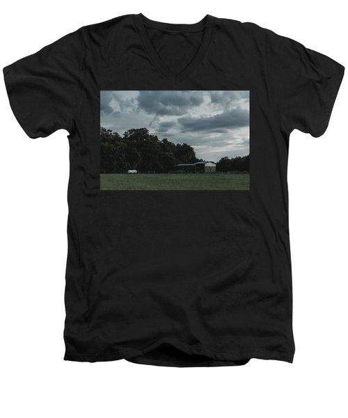 Desaturated Barn Men's V-Neck T-Shirt