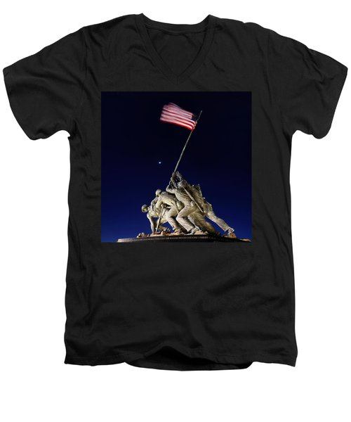 Digital Liquid - Iwo Jima Memorial At Dusk Men's V-Neck T-Shirt