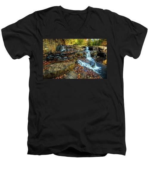 Dismal Creek Falls Horizontal Men's V-Neck T-Shirt