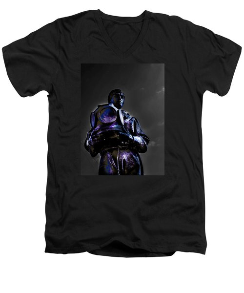 Men's V-Neck T-Shirt featuring the photograph Diver by Randy Sylvia