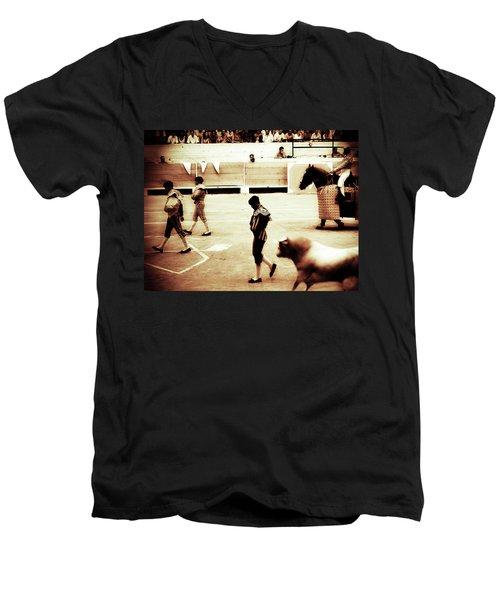 Arles Men's V-Neck T-Shirt