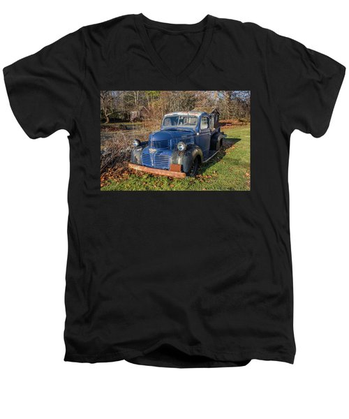 Dodge Pickup Men's V-Neck T-Shirt