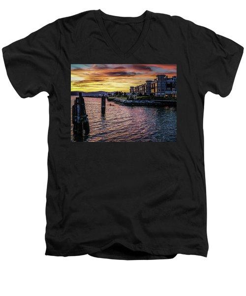 Dramatic Hudson River Sunset Men's V-Neck T-Shirt