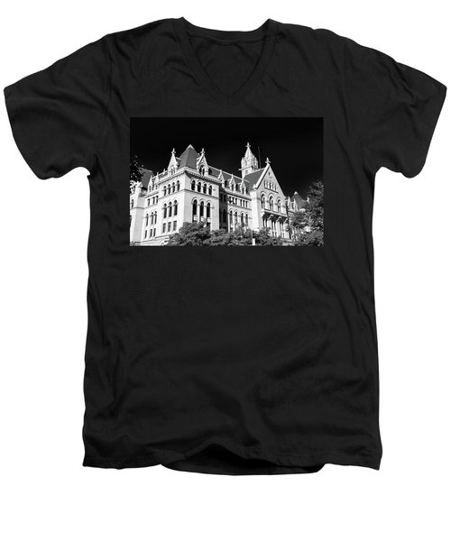 Ecc 0946b Men's V-Neck T-Shirt