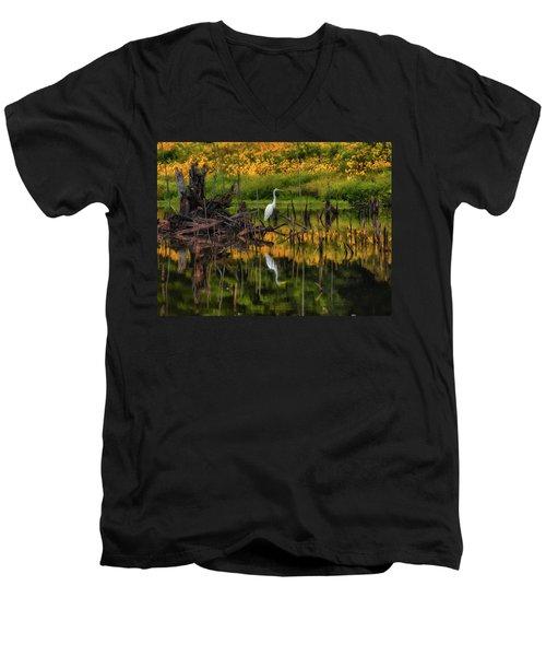 Egret Art  Men's V-Neck T-Shirt