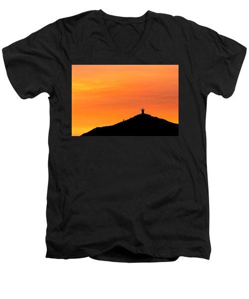El Faro Men's V-Neck T-Shirt
