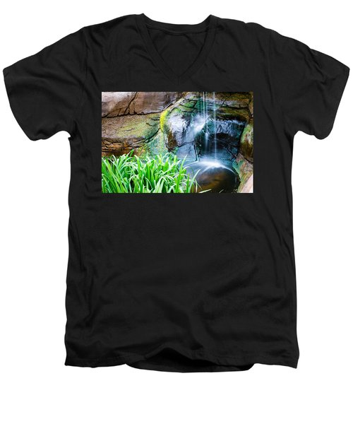 El Paso Zoo Waterfall Long Exposure Men's V-Neck T-Shirt
