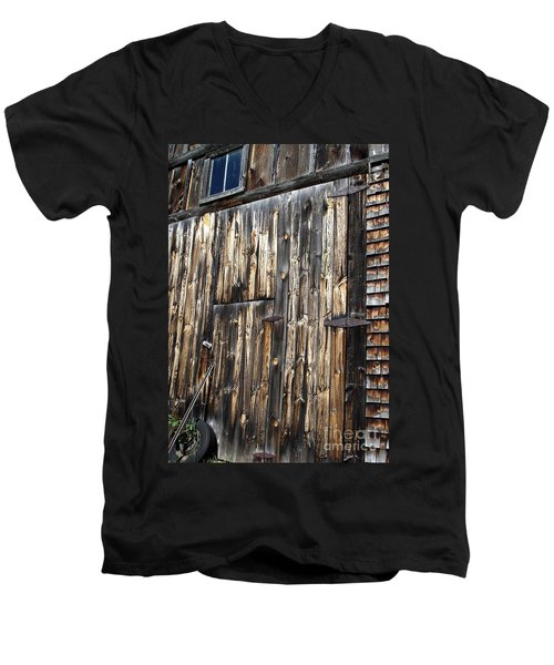 Enter The Barn Men's V-Neck T-Shirt