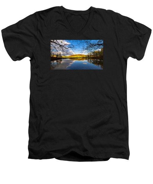 Erdfallsee, Harz Men's V-Neck T-Shirt