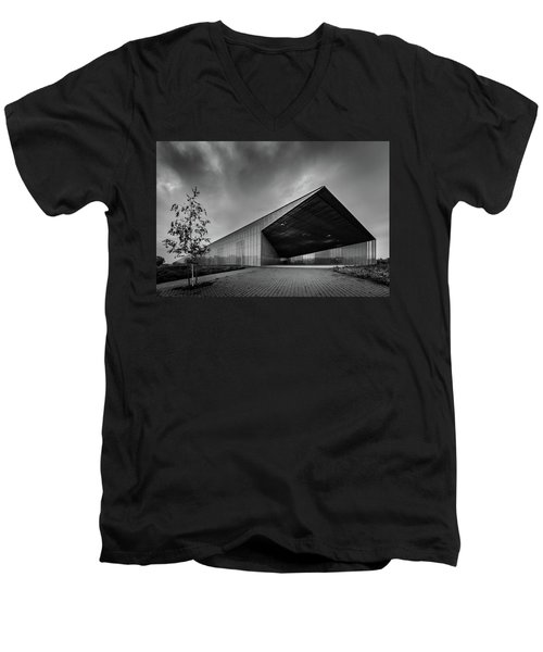 Estonian National Museum Men's V-Neck T-Shirt