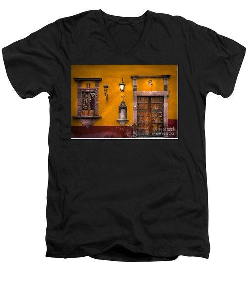 Face In The Window Men's V-Neck T-Shirt