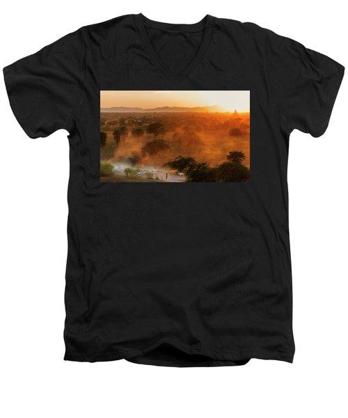 Farmer Returning To Village In The Evening Men's V-Neck T-Shirt