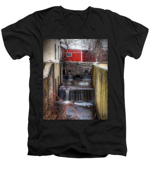 Feeder Canal Lock 13 Men's V-Neck T-Shirt