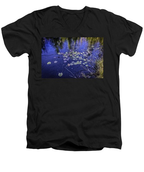First Ice Men's V-Neck T-Shirt