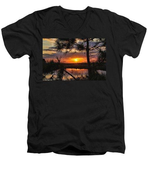Florida Pine Sunset Men's V-Neck T-Shirt