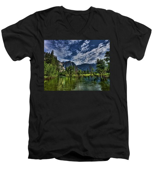 Follow The River Men's V-Neck T-Shirt