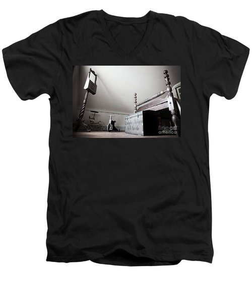 Foot Of The Bed Men's V-Neck T-Shirt