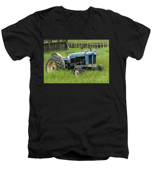 Fordson Major Men's V-Neck T-Shirt