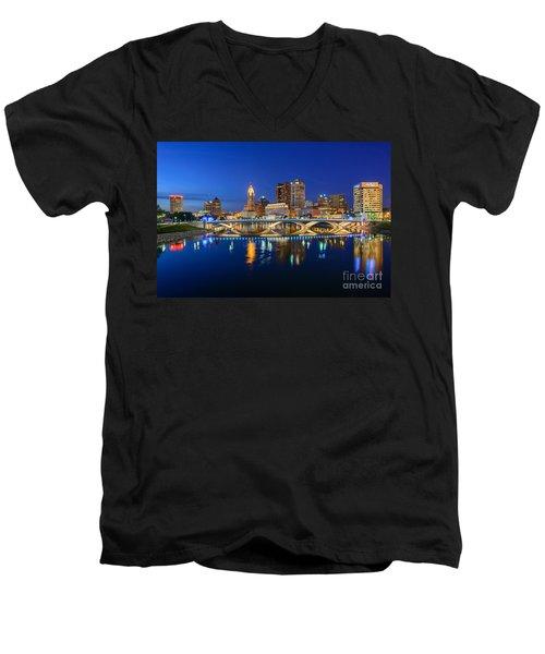Fx2l531 Columbus Ohio Skyline Photo Men's V-Neck T-Shirt