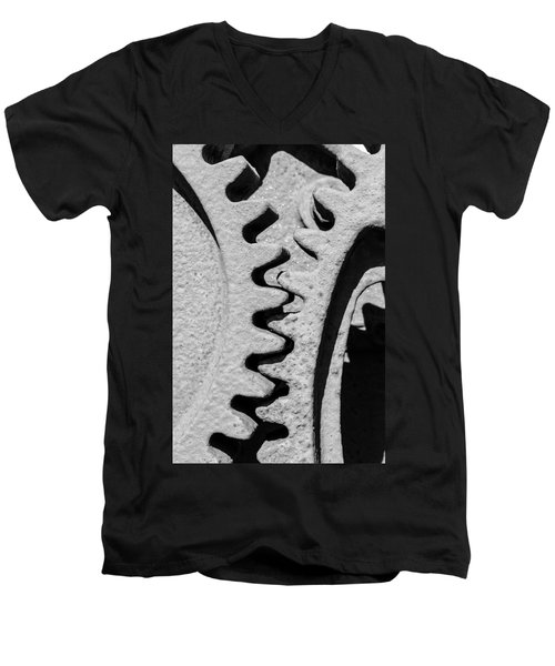 Gear - Zoom, Close Up Men's V-Neck T-Shirt