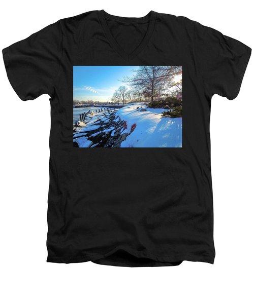 Glen Island Snowfall Men's V-Neck T-Shirt