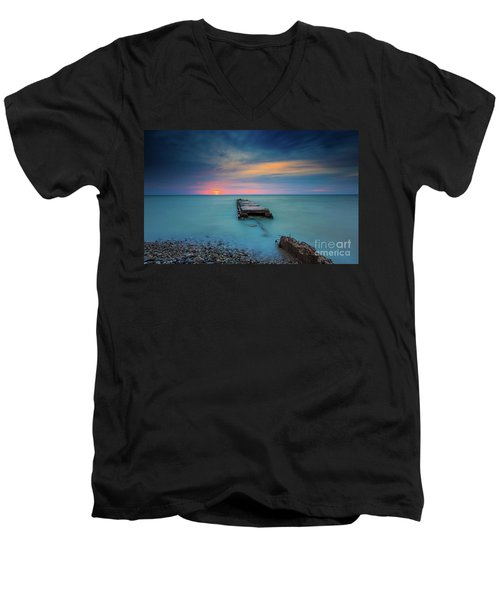 Glimpsing Sun Men's V-Neck T-Shirt