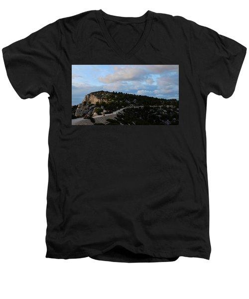 Going Back Men's V-Neck T-Shirt
