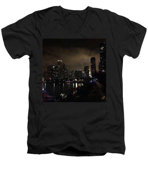 Chicago Skyline By Night Men's V-Neck T-Shirt