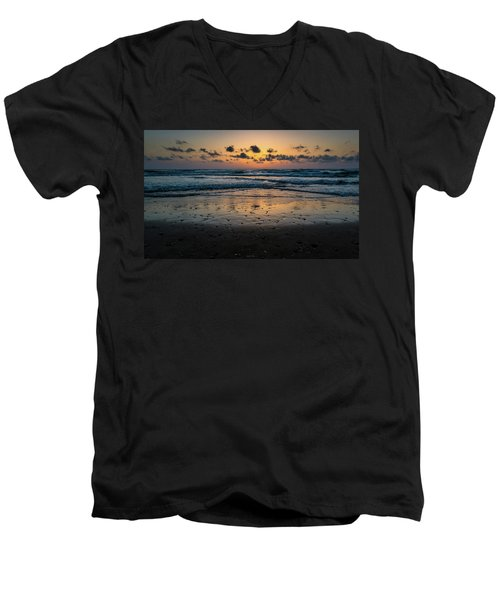 Goodnight Sea Men's V-Neck T-Shirt
