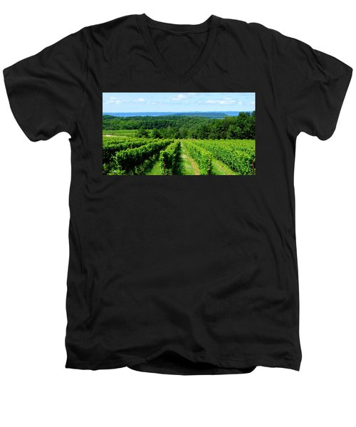 Grapevines On Old Mission Peninsula - Traverse City Michigan Men's V-Neck T-Shirt