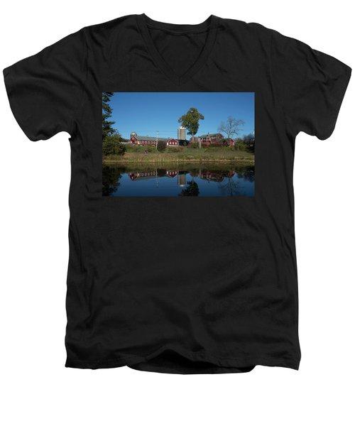 Great Brook Farm Men's V-Neck T-Shirt