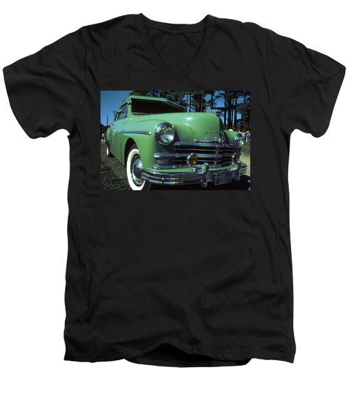 American Limousine 1957 - Historic Car Photo Men's V-Neck T-Shirt