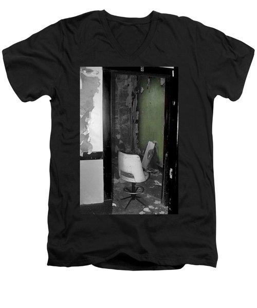 Green Wall Men's V-Neck T-Shirt