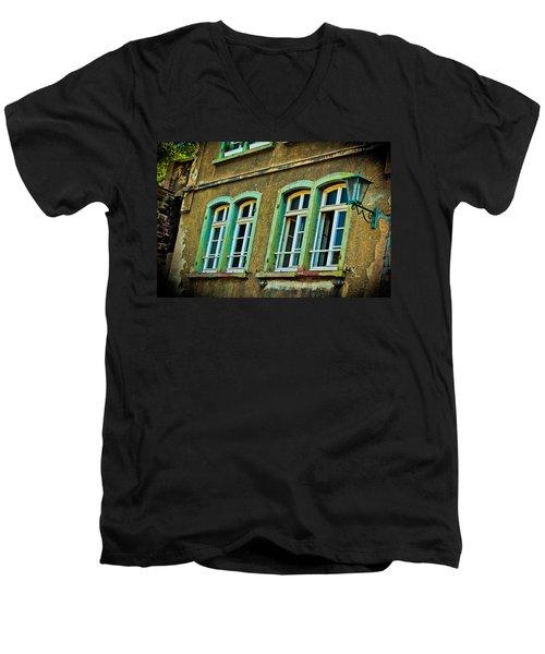 Green Windows Men's V-Neck T-Shirt