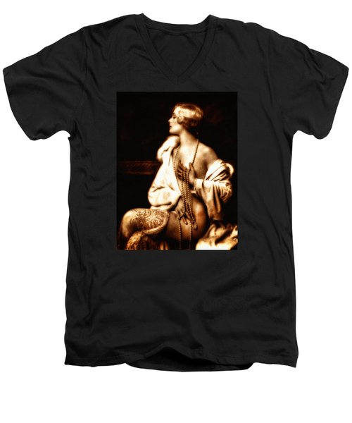 Grunge Goddess Men's V-Neck T-Shirt