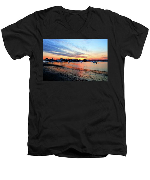 Harbor Sunset At Low Tide Men's V-Neck T-Shirt