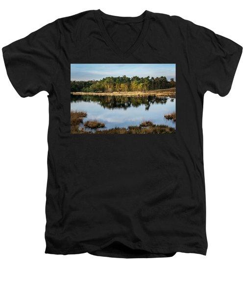 Haterste Vennen Last Sun Men's V-Neck T-Shirt